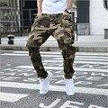Camuflagem moda Homens Corredores Virilha Gota Harém Calças de Algodão Soltas Elásticas Calças Compridas Cônicos Jeans Rasgados Plus Size