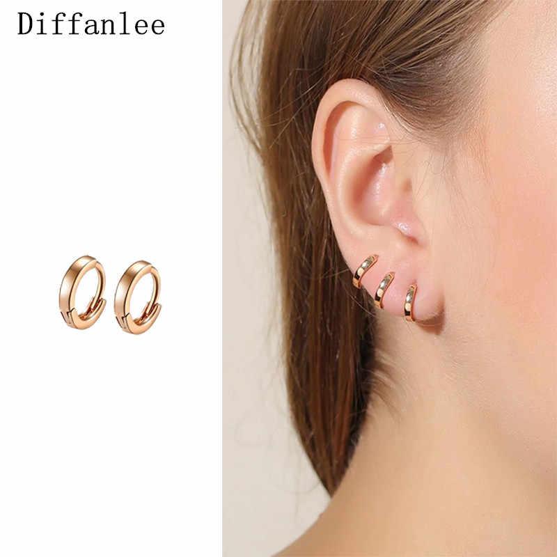 585 Gold color Mini Slim Trend Hip-hop Huggie Circle Small Hoop Earrings For Women Fashion Hot Gift for Kids Girls Baby Children