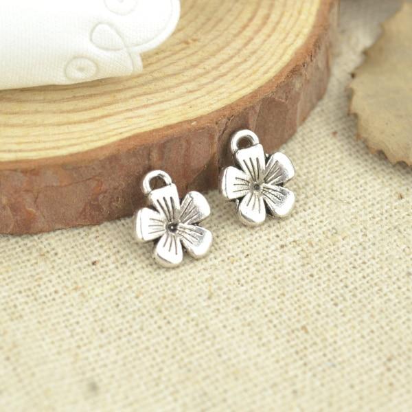 75 шт. 11*9 мм Античная Серебристый оттенок цветка амулеты