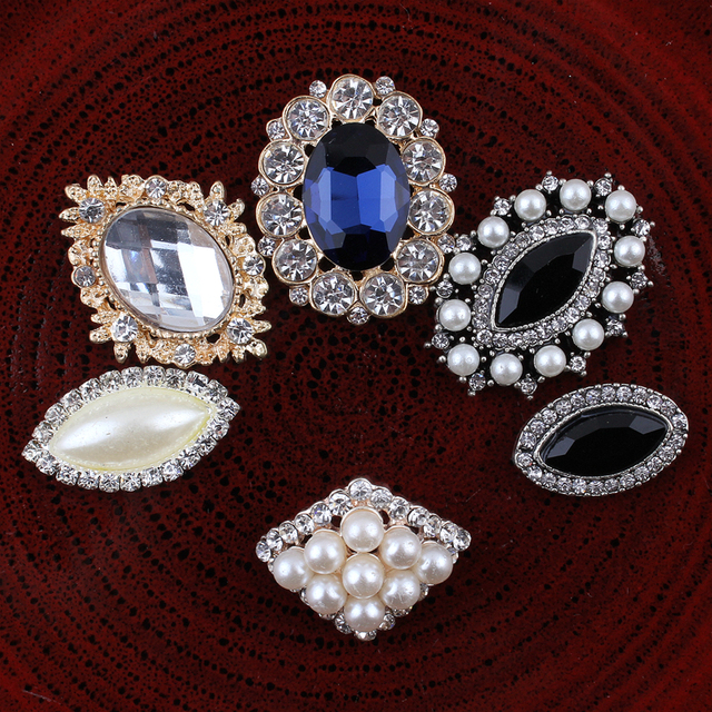 30PCS Vintage Handmade Flower Rhinestone Buttons Bling Flatback Crystal Pearl  Decorative Buttons Flower Center Craft Supplies 3d832c1cdc5c