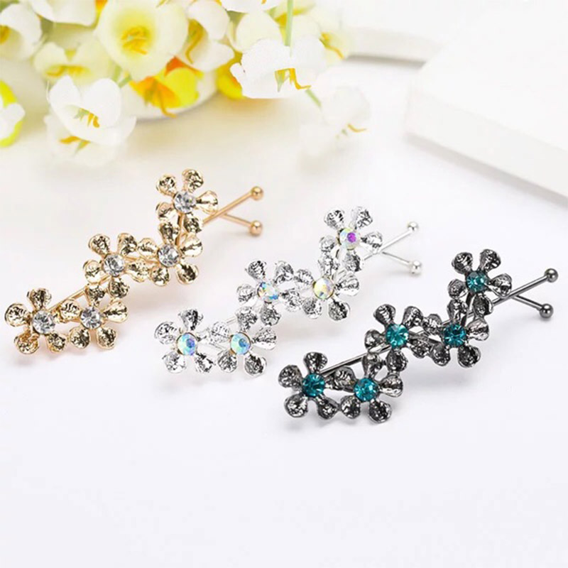 Купить с кэшбэком Fashion 1pc Five Flowers Shaped Rhinestones Alloy Hair Clip Cute Graceful Women Girls Hair Accessories