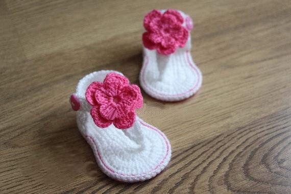 47adeada4 Frete grátis, Crochet do bebê sandálias, Sandálias gladiador, Botas, Sapatos,  Branco