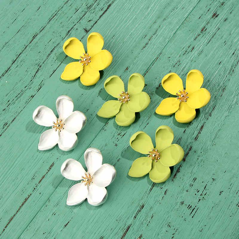 JJFOUCS ใหม่น่ารักสีเหลืองดอกไม้ Drop Dangle ต่างหูผู้หญิงเกาหลีแฟชั่นสไตล์ฤดูร้อนต่างหูดอกไม้งานแต่งงานเครื่องประดับ