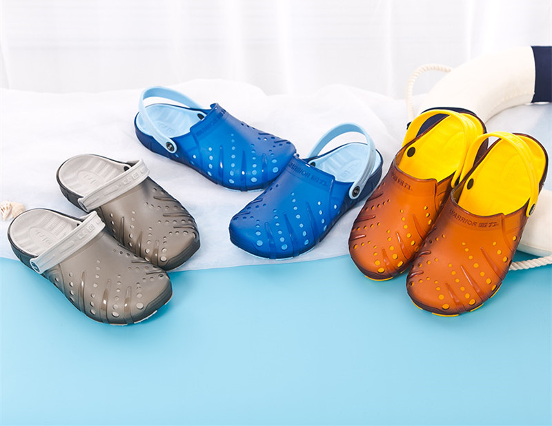 Hot Clogs Men Beach Slippers Summer Rubber Sandals Hole Shoes Mules Flip Flops Pantufas Chinelos Garden Eva Zapatos Hombre