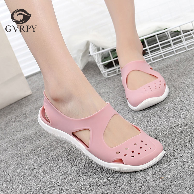 New Ladies Hole Shoes Summer Non-slip Soft Bottom Surgeon Nurse Work Sandals Hospital Laboratory Beauty Salon Medical Shoes