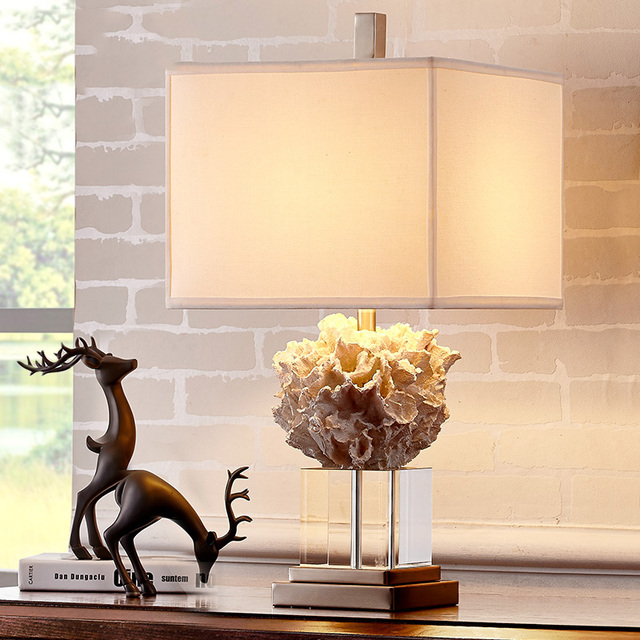 Modern Luxury Crystal Table Lamp Living Room Fashion Mediterranean White Coral Bedroom Bedside Lights E27