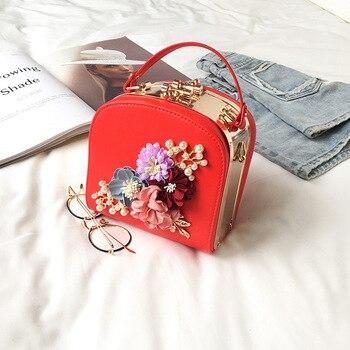 2019 Metal Clip Small Square Bag New Fashion Dinner Flower Shoulder Diagonal Handbag Bags  Shoulder Bags 822