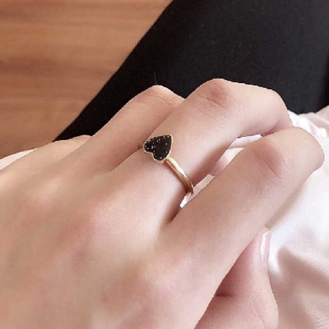 2018 Charm Black Super Flash Heart Rings For Women Vintage Fashion Love Heart Ri