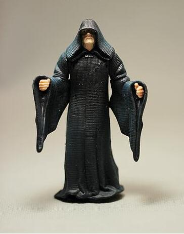 все цены на 1pcs 10cm=3.9'' Original Star Wars 7 Biggest Villain Palpatine Model Decoration PVC Toy Action Figure Doll онлайн