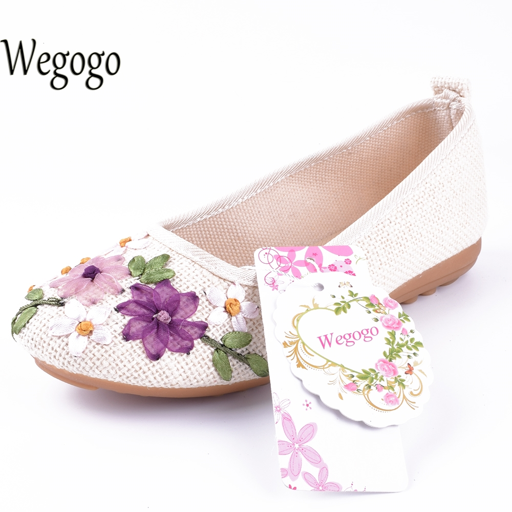 Wegogo Chinese New National Floral Traditional Embroidery Casual Women Flats Fashion Shoes For Woman Flowers Shoes big size 42 vintage embroidery women flats chinese floral canvas embroidered shoes national old beijing cloth single dance soft flats