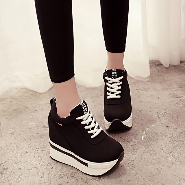 Kadın Ayakkabı Moda Kadın Yüksekliği Artan Nefes Dantel-up Takozlar Sneakers platform ayakkabılar Tuval Kadın rahat ayakkabılar