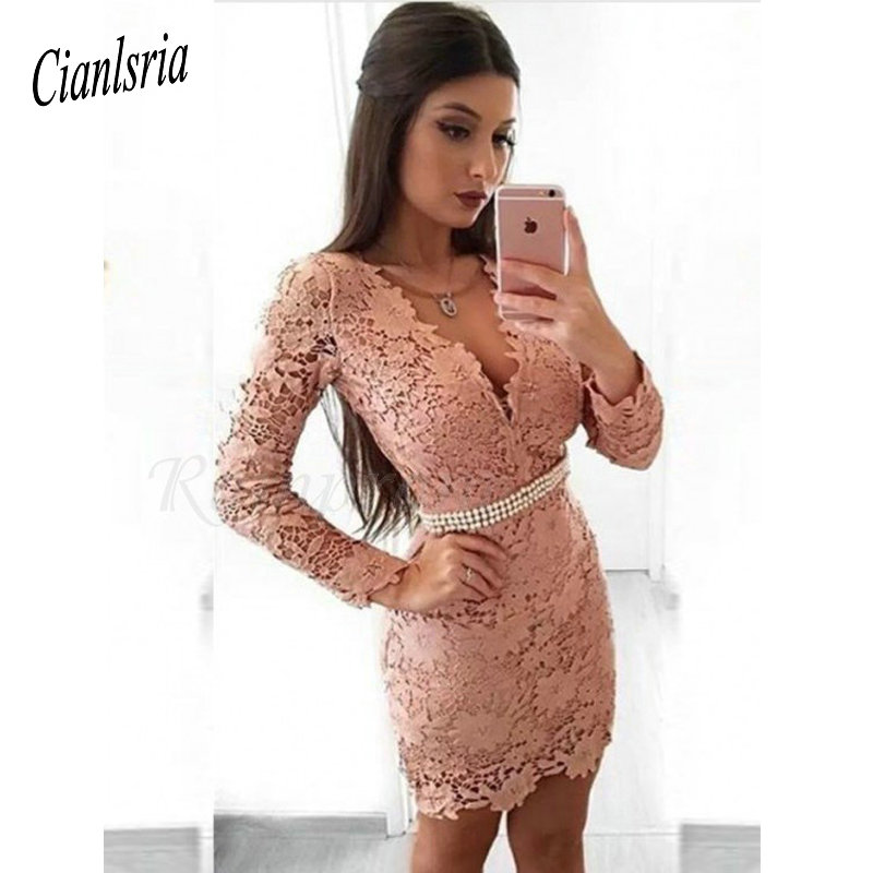 Sheath V-Neck Cooktail Dresses Long Sleeves Blush Lace Homecoming Dress With Pearls
