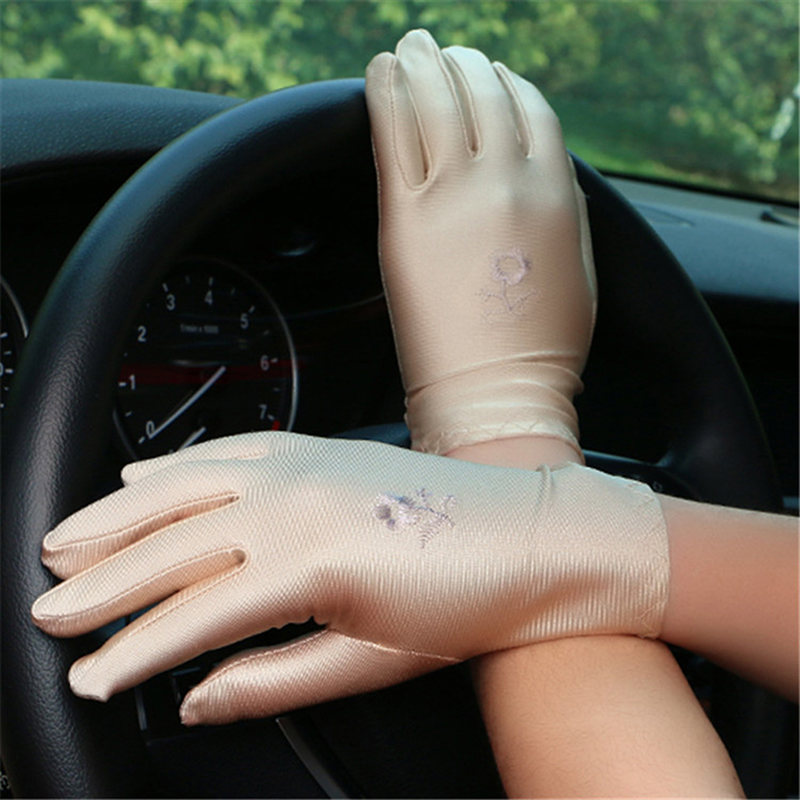Women Summer Sunscreen Gloves Women's Spandex Sunscreen Gloves Female Short Embroidered Skin Care Elastic Gloves