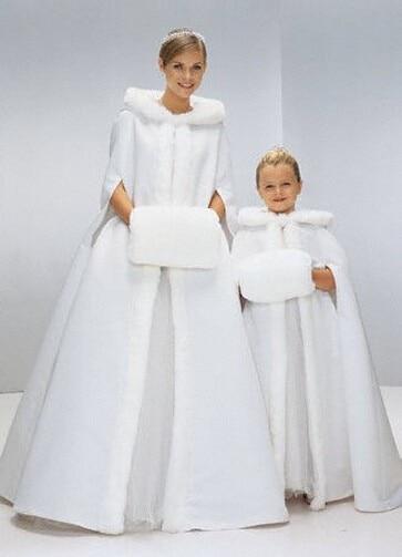 Latest Winter Faux Fur Wedding Cape Hooded Long Wedding Bridal Cloaks White / Ivory Fur Cape Mariage Plus Size Custom