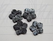 где купить free shipping 15mm grey flower  Mother of Pearl shell button ,Sewing Buttons Scrapbooking Knopf  natural shell buttons по лучшей цене