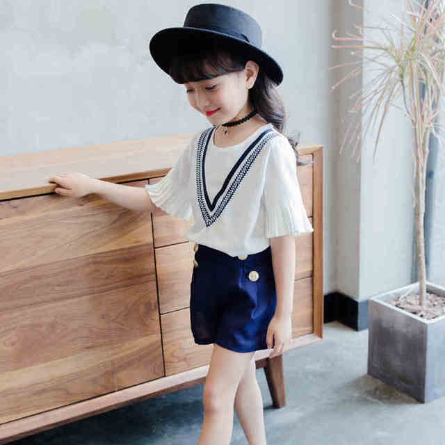 f20304a97a6 Young girl summer dress 2017 new suit han edition fashion children wear  chiffon short sleeve jacket shorts children two pieces