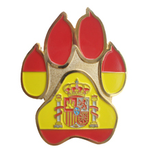 Factory outlets zinc alloy two-color coin dog paw shape