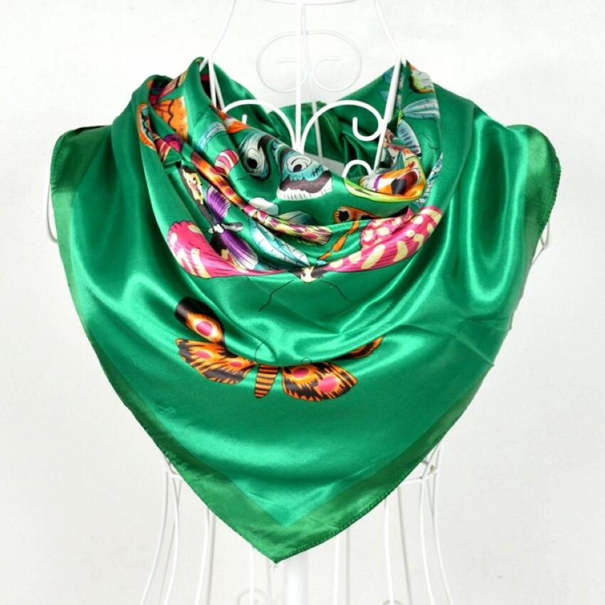 590474faa36 Nouveau Design Chine Style Femelle Grand Carré de Soie Écharpe Imprimé  Vente Chaude Papillon Motif Vert Echarpes Wraps Hiver Femmes Cape
