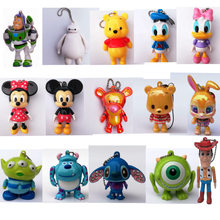 Película de Disney juguete historia Mickey figura de ratón llaveros de juguete Woody Buzz Lightyear Stitch Big Hero Anime llavero de regalo Juguetes