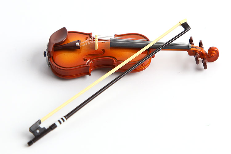 Action & Toy Figures Nice Mini Violin Action Figure 1/16 Scale Painted Figure Mini Musical Instrument Violin Doll Pvc Acgn Figure Toys Brinquedos Anime Skilful Manufacture
