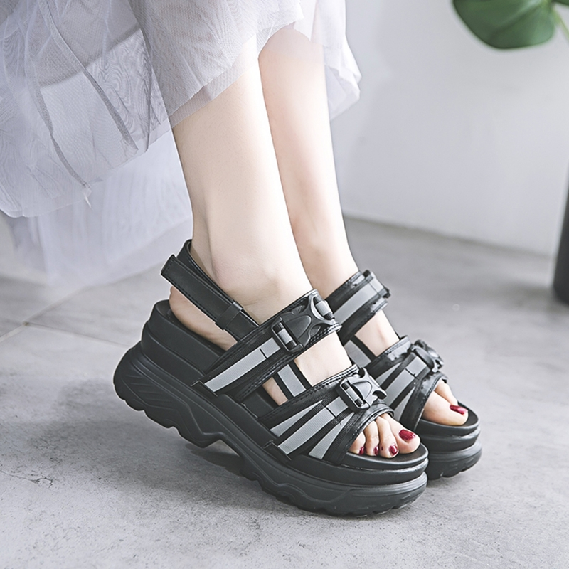Summer Womens Sandals Fashion Reflective Stripe Black White Women Platform Casual Shoes Buckle Design Ladies Sandals 6870wSummer Womens Sandals Fashion Reflective Stripe Black White Women Platform Casual Shoes Buckle Design Ladies Sandals 6870w