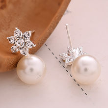 fashion earrings for women Charm Jewelry Pair Snowflake Crystal Stud Earring pendientes mujer best gift earrings 2019(China)