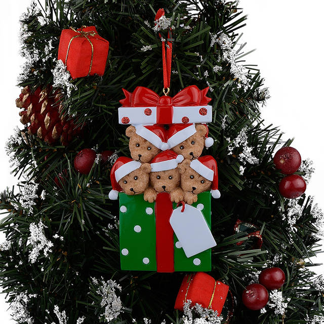 Resin Christmas Ornaments.Us 11 82 Wholesale Resin Bear Family Of 5 Christmas Ornaments Personalized Gifts That Can Write Your Own Name For Holiday And Home Decor In Pendant