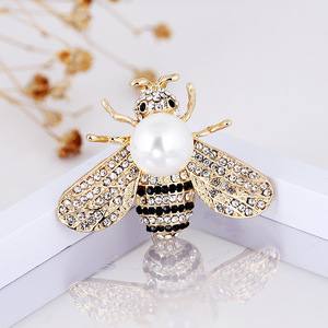 CINDY XIANG 2 Colors Choose Rhinestone Bee Brooches for Women Pearl Honeybee Pins Fashion Winter Insect Accessories Good Gift(China)