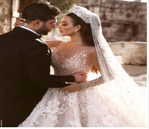 Image 3 - Dubai Luxury Crystal Wedding Dresses 2018 Shiny Beaded 3D Flower Wedding Gowns With Sheer Full Sleeves Pearls Vestido De Noiva-in Wedding Dresses from Weddings & Events