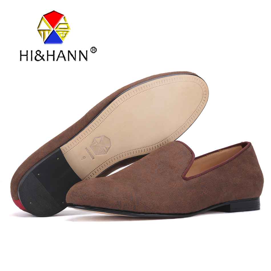 2017 new arrival Brown color men Handmade velvet shoes with abstract printing Prom and Wedding men loafers male's dress shoes men abstract letter and fish print tee