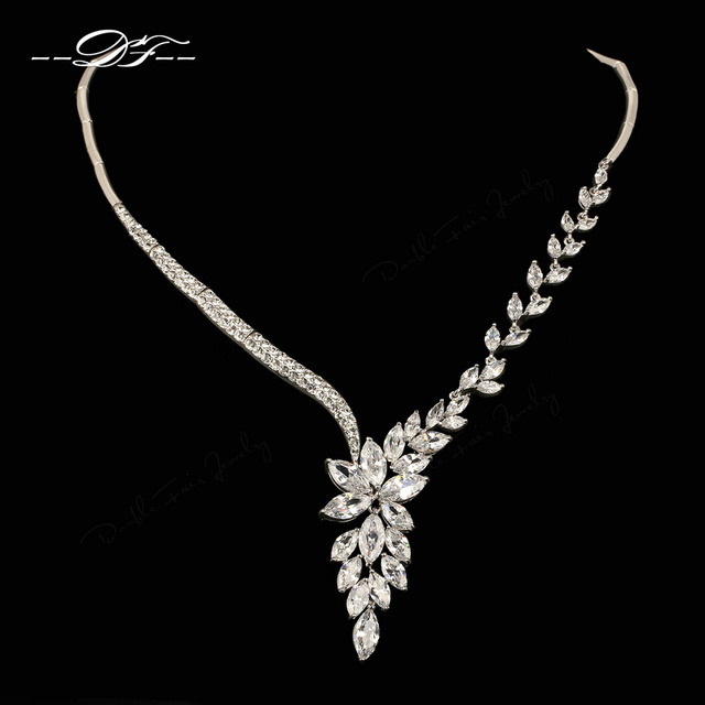 Luxury Crystal Vintage Wedding Necklaces & Pendants White Gold Plated Fashion Imitation Gemstone Jewelry for Women DFN558