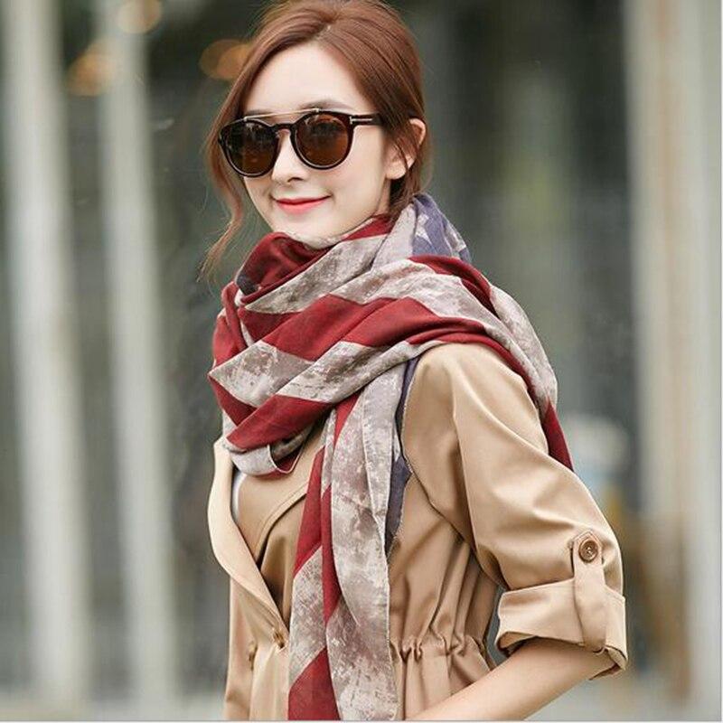 Click here to Buy Now!! Été nouveau mode foulard Châle en soie style  Graffiti Coton 2017 écharpe femmes d 4400b0d5a15