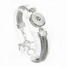 2017 NEW Bangles Crystal 18mm Snap Bracelet Metal Snap Button Charms Jewelry DIY Bracelet For Women JEWELRY 040614