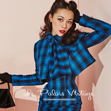 Le Palais Vintage 2016 Autumn Winter New woolen Coat Elegant Slim Blue Grid Long Sleeve Scarf Collar Short Wool Women Clothing