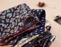 2015 Hombres de La Moda Pañuelo de Seda Floral Satin Pocket Square Wedding Party Pañuelo Pañuelo Jacquard Tejida Clásica MIT007