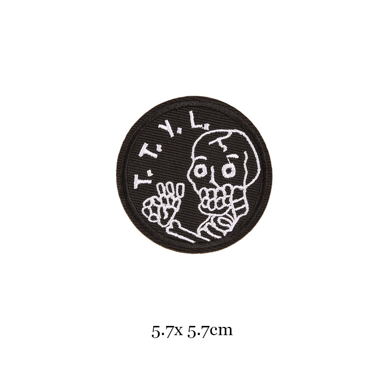 1 шт., черные, белые байкерские нашивки для одежды, железная одежда, аппликация с буквами, Череп, звезда, полосы, вышитая наклейка, круглый значок - Цвет: 15