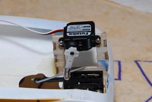 Image 5 - Небольшой рулевой механизм FUTABA S3114 Servo