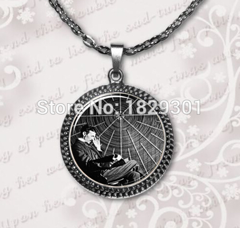 2017 New Vintage Collares Collier Maxi Necklaces Nikola Necklace Famous Inventor Inspirational Jewelry Glass Dome Pendant