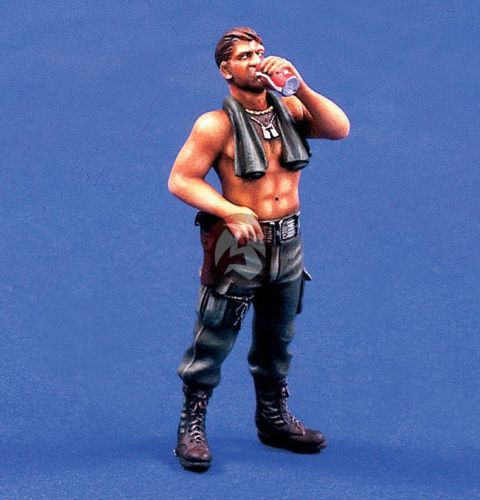 1/35 US Man  Drinking In Ancient  War  Toy Resin Model Miniature Resin Figure Unassembly Unpainted