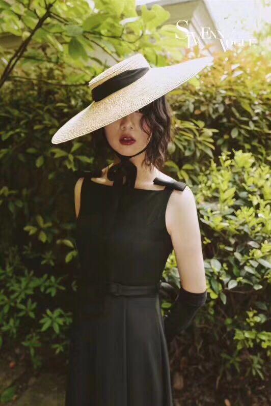 01806-axi verano natural hecho a mano papel diseñador estilo viento ala  ocio playa Cinta Negra señora gorra mujer sombrero de sol 187ee0b6c62