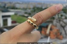 Кольцо в виде копыта регулируемое золотого цвета свободный размер