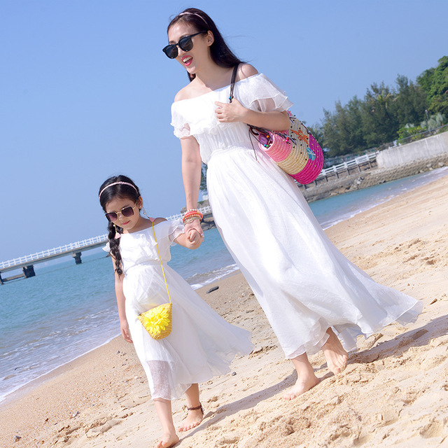 2018 Summer Family Look Outfits White Beach Dress Mother Daughter Dresses Mom Mommy And Me Clothes