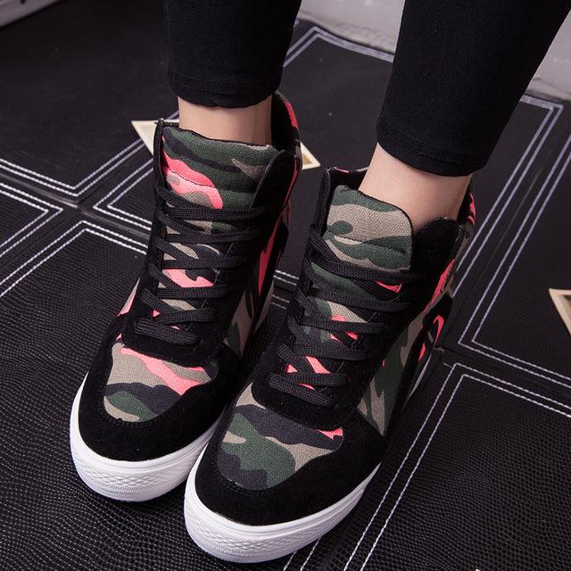 Nova Fêmea Dentro Dos Mais Elevados Da mulher moda casual sapatos de Plataforma Grossa Crosta de Camuflagem Sapatos Frete Grátis
