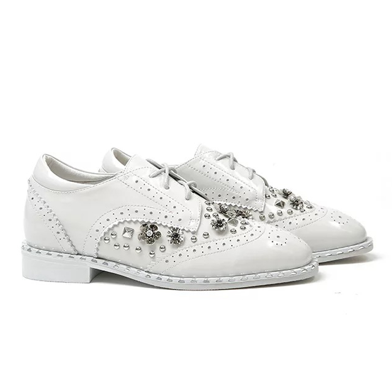 Cuir Plate Feminino Casual Femmes Sapatos Noir Ugi Couro Chaussures Rivet En forme blanc Fleurs Pour Verni Filles 71AIw