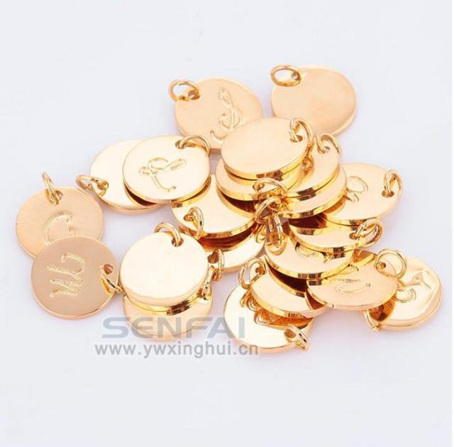 Wholesale Top Quality A Z Gold Color Charms Letter Stamp Initial Jewelry Disc Pendant Alphabet Beads Charm For DIY