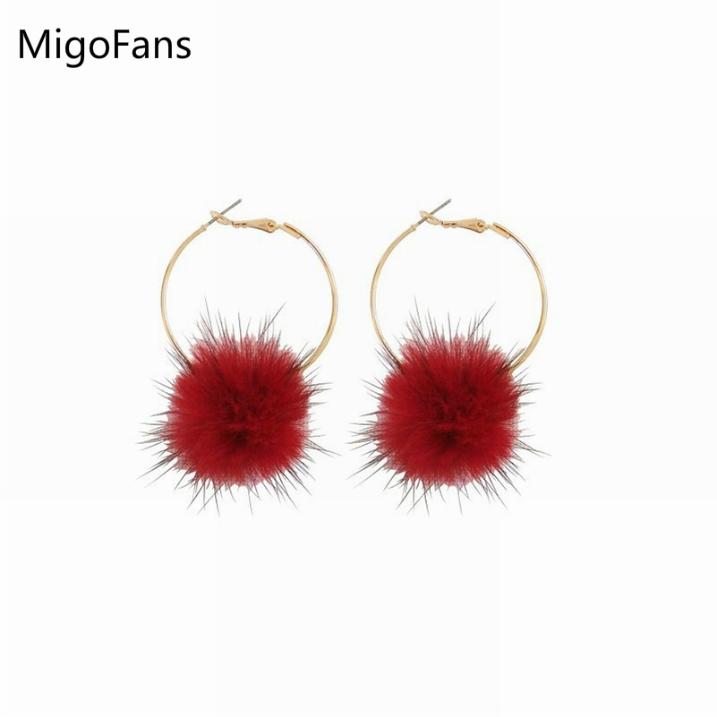 Simple Round Red Natural Hair Balls Geometric Winter Loop Earrings for Women Fashion Pompoms Gold-color Loop Earrings