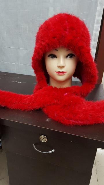 El nuevo 2015 mujeres de visón de punto hechos a mano encantadora rojo de piel de zorro blanco sombrero de la bufanda