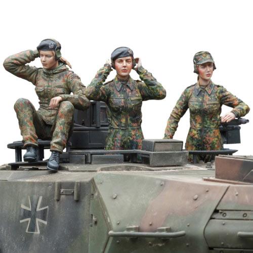 1/16 120mm Bundeswehr Female Tank Crew 120mm  Toy Resin Model Miniature Kit Unassembly Unpainted