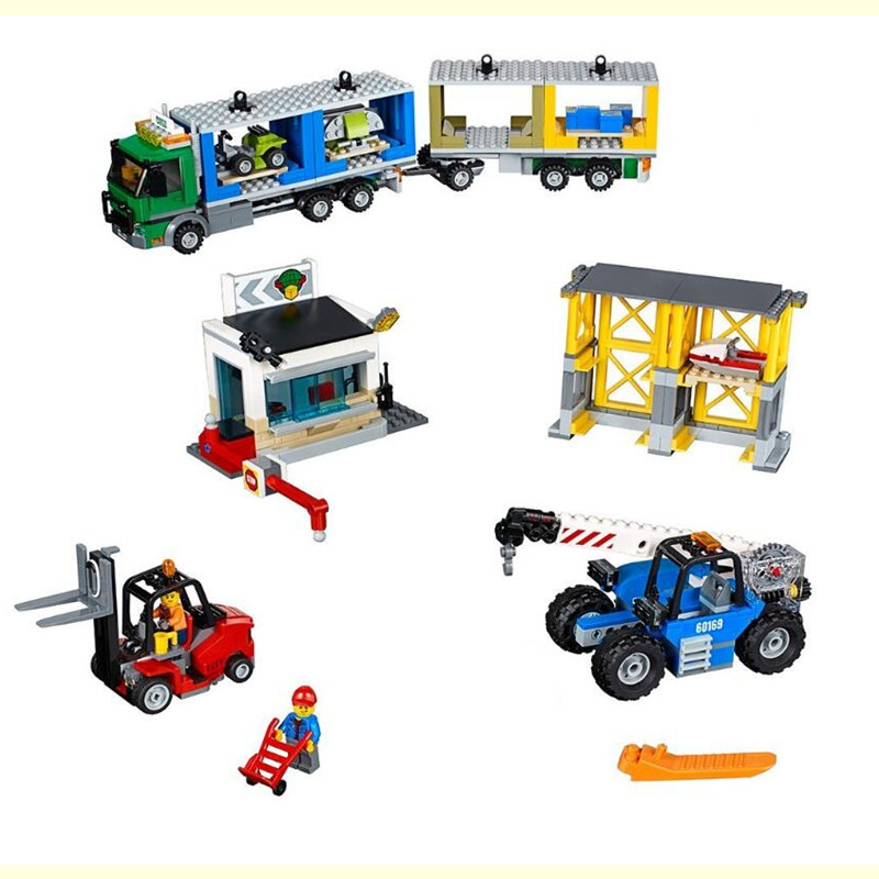 829Pcs 02082 Genuine City Series The Charge Terminal Set Building Blocks Bricks Toys Model for Children Gifts 60169 lepin 02082 new 829pcs city series the cargo terminal set diy toys 60169 building blocks bricks children educational gifts model