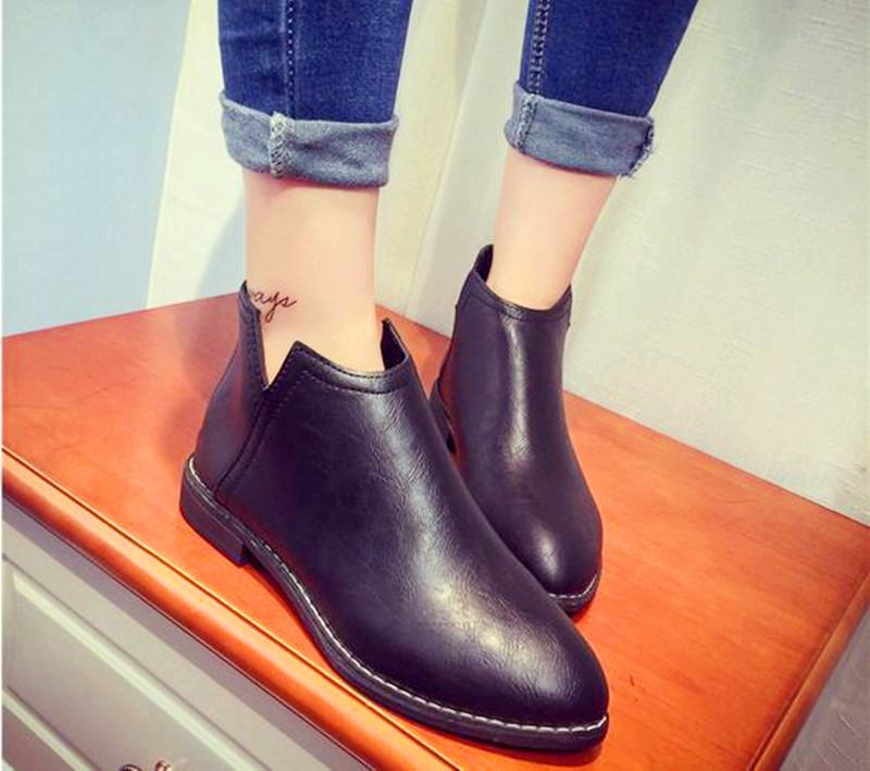 15..Korean Short Boots female Martin boots winter women boots with thick bottom pointed shoes and single ankle boots black